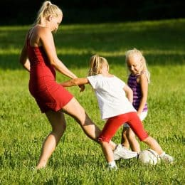 The 10 Habits Of Happy Mothers 2