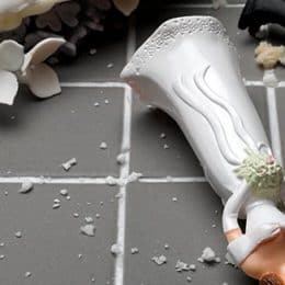 wedding cake destroyed