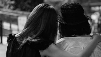 10-Ways-To-Help-a-Friend-Going-Through-a-Divorce_1040x326